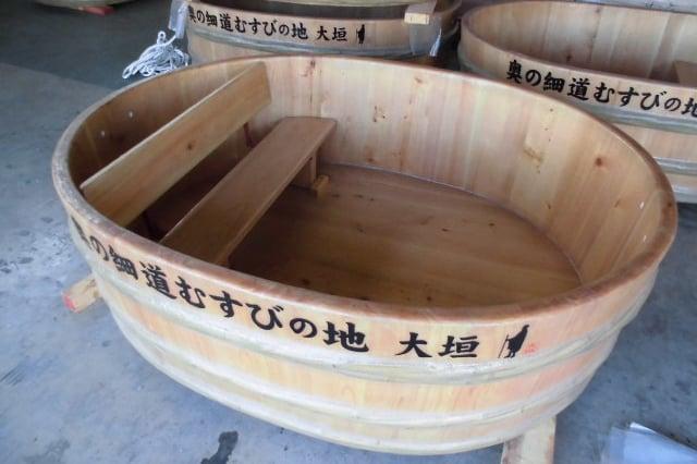 大垣市水門川名物『たらい舟』